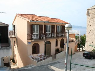 Three bedroom apartment Igrane, Makarska (A-2650-a)