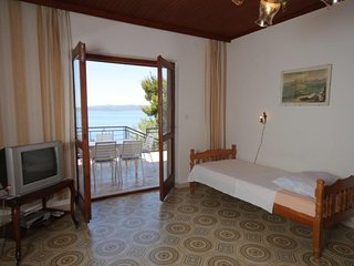Two bedroom apartment Bratus, Makarska (A-2627-c)