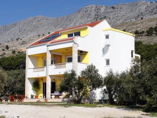 Two bedroom apartment Duce, Omis (A-2778-a)