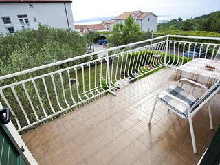 Promajna Apartment Sleeps 4 with Air Con and WiFi - 5460861