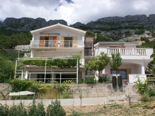 One bedroom apartment Pisak (Omis) (A-2750-a)