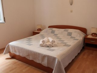 One bedroom apartment Zaostrog, Makarska (A-2625-c)