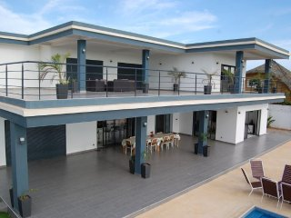Splendide Villa - 100m Saly Center