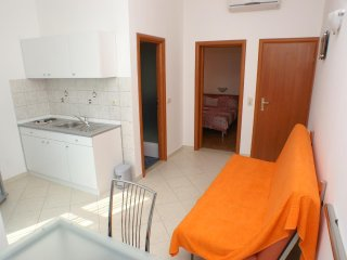 One bedroom apartment Lokva Rogoznica, Omis (A-2974-b)