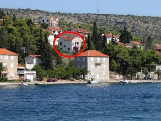 One bedroom apartment Milna (Brac) (A-2962-a)