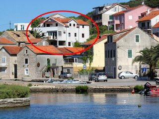 Two bedroom apartment Vrboska (Hvar) (A-4025-a)