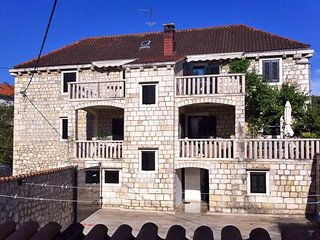One bedroom apartment Sutivan (Brac) (A-2946-c)