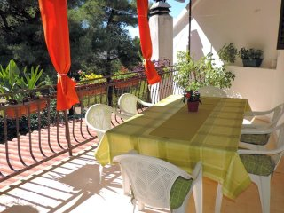 Mirca Apartment Sleeps 5 with Air Con and WiFi - 5461401
