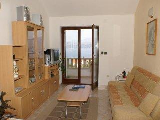 One bedroom apartment Splitska, Brač (A-2889-c)