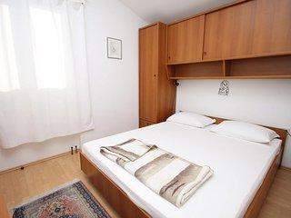 Room Njivice, Krk (S-408-a)