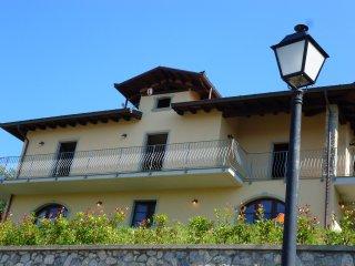Montepigoli, private pool, stunning views, walk to restaurants/village,WIFI,