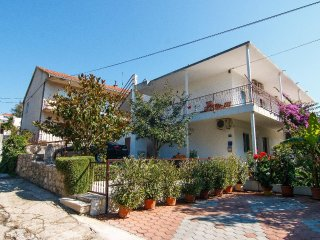 One bedroom apartment Marina, Trogir (A-1160-c)