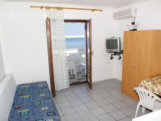 Two bedroom apartment Kustici, Pag (A-4129-b)