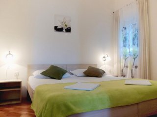 Pag Apartment Sleeps 5 with Air Con - 5462417