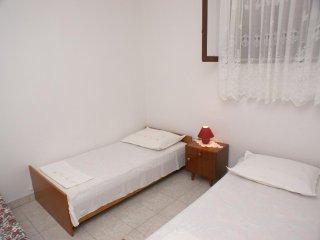 One bedroom apartment Bilo, Primošten (A-4189-b)