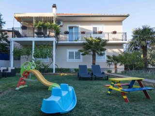 Two bedroom apartment Vodice (A-4181-a)