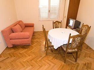 One bedroom apartment Tučepi, Makarska (A-318-b)