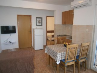 Two bedroom apartment Sevid, Trogir (A-4286-b)