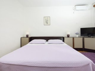 One bedroom apartment Podgora (Makarska) (A-4332-b)