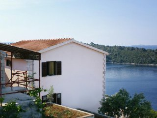 Two bedroom apartment Karbuni (Korčula) (A-4465-a)