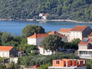 Two bedroom apartment Lumbarda (Korcula) (A-4473-a)