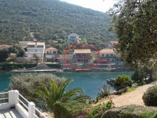 Two bedroom apartment Cove Zarace (Gdinj) (Hvar) (A-4596-c)