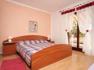Two bedroom apartment Fazana (A-2290-b)
