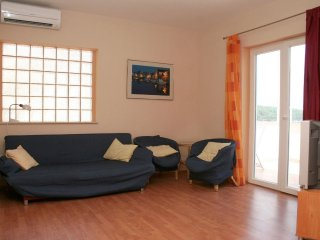 One bedroom apartment Jelsa, Hvar (A-4608-b)