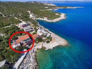 Two bedroom apartment Cove Pokrivenik bay - Pokrivenik (Hvar) (A-10427-a)