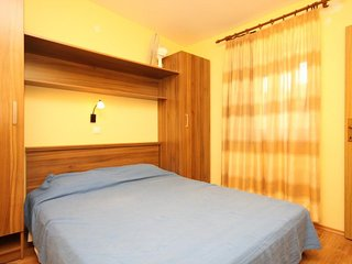 One bedroom apartment Veli Rat, Dugi otok (A-438-c)