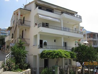 Two bedroom apartment Podgora (Makarska) (A-4782-a)
