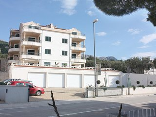 Two bedroom apartment Tučepi (Makarska) (A-3193-j)