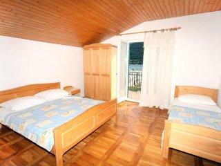 Two bedroom apartment Grebastica, Sibenik (A-4866-b)