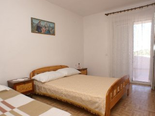 Two bedroom apartment Metajna, Pag (A-525-e)