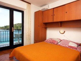 Room Pomena, Mljet (S-4929-b)