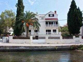 Two bedroom apartment Seget Vranjica, Trogir (A-5160-d)