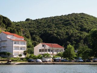 Two bedroom apartment Supetarska Draga - Donja, Rab (A-5045-a)