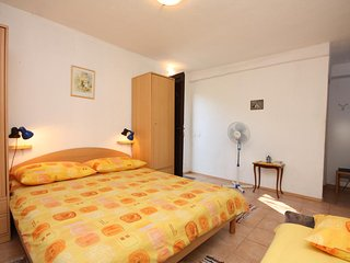 Studio flat Maslinica, Solta (AS-5184-a)