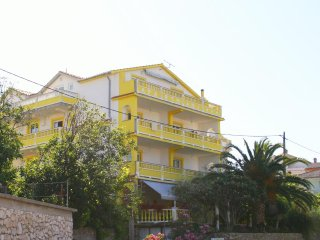 Two bedroom apartment Banjol (Rab) (A-5041-c)
