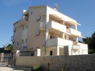 Two bedroom apartment Okrug Donji (Ciovo) (A-5244-d)