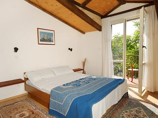 Selce Apartment Sleeps 5 with Air Con - 5460604