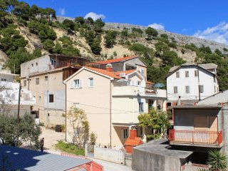 One bedroom apartment Krilo Jesenice, Omis (A-5159-b)