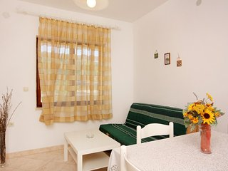 One bedroom apartment Vrbnik, Krk (A-5301-b)