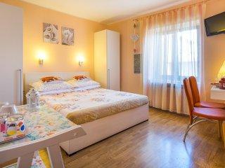 Room Vrbnik, Krk (S-5302-b)