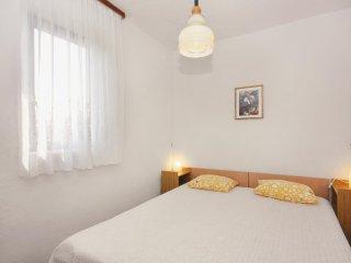 One bedroom apartment Njivice, Krk (A-5297-b)
