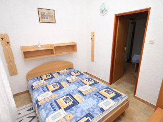 One bedroom apartment Pinezići, Krk (A-5319-b)