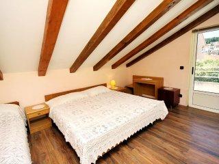 One bedroom apartment Jelsa, Hvar (A-4602-b)