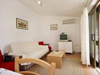Two bedroom apartment Novi Vinodolski (A-5482-c)