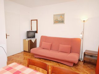 One bedroom apartment Novi Vinodolski (A-5587-b)