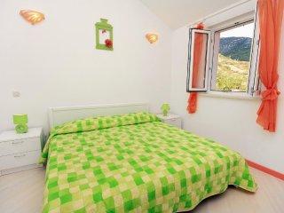 One bedroom apartment Bol, Brač (A-5642-a)